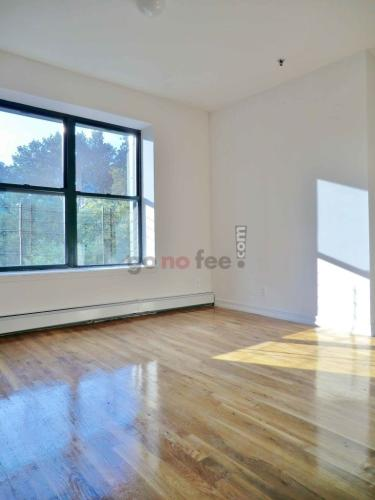 246 Manhattan Avenue #6B Photo 1