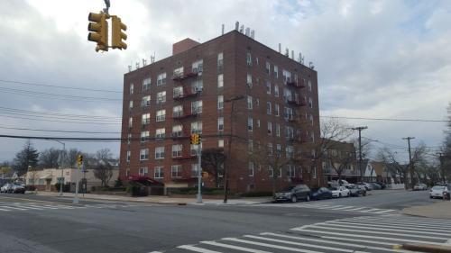222-89 Braddock Avenue #SIX Photo 1