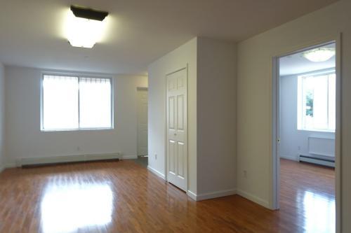 385 Vernon Avenue #2 Photo 1