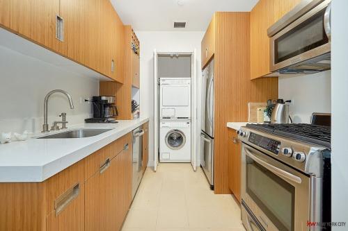 450 W 17th Street Photo 1