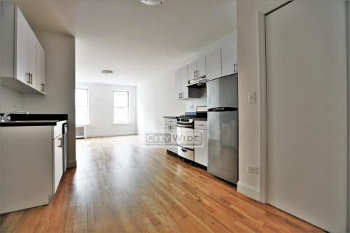 226 E 89th Street #13 Photo 1