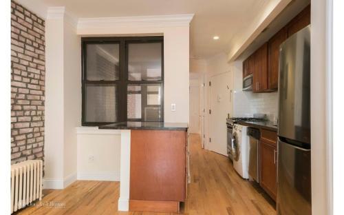227 E 89th Street #4B Photo 1