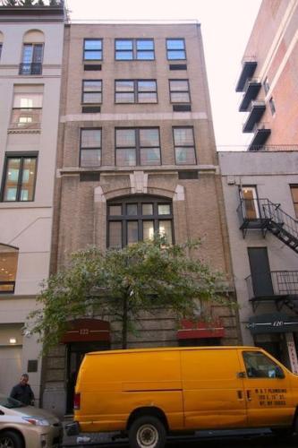 122 E 13th Street #1A Photo 1