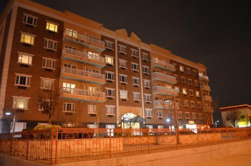 2801 Emmons Avenue #4I Photo 1