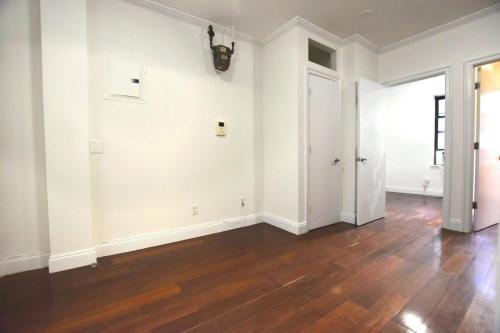 384 Broome Street #4 Photo 1