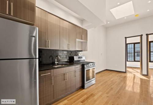659 Onderdonk Avenue #2 Photo 1