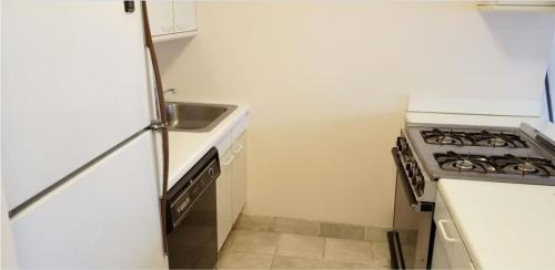 280 Rector Place Photo 1