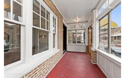1414 Lincoln Place Photo 1
