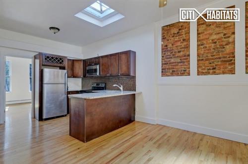 608 St Johns Place #3 Photo 1