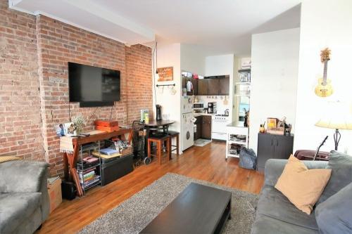 726 Amsterdam Avenue #3A Photo 1
