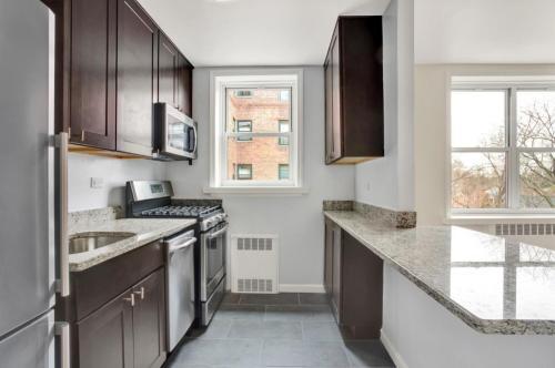 5565 Netherland Avenue #3E Photo 1