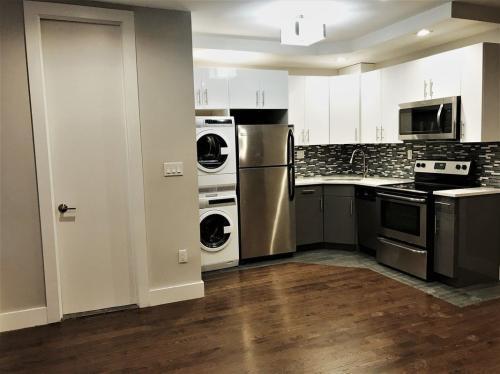 3054 Godwin Terrace Photo 1