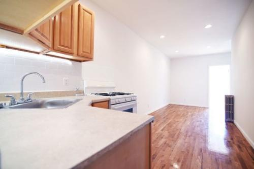 252 Kingsland Avenue #3F Photo 1