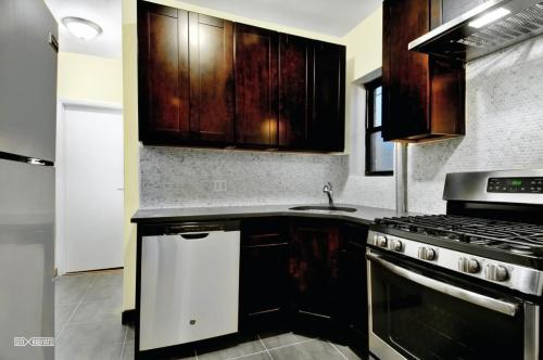 729 Lafayette Avenue Photo 1