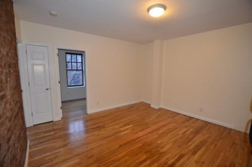 207 W 11th Street #2D Photo 1