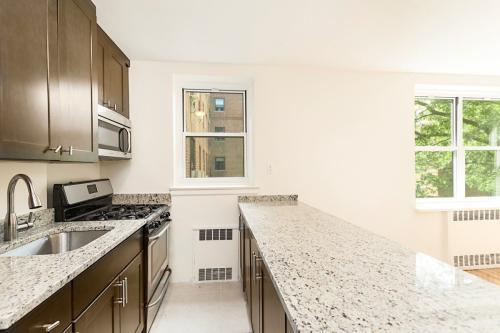 5532 Netherland Avenue #6C Photo 1