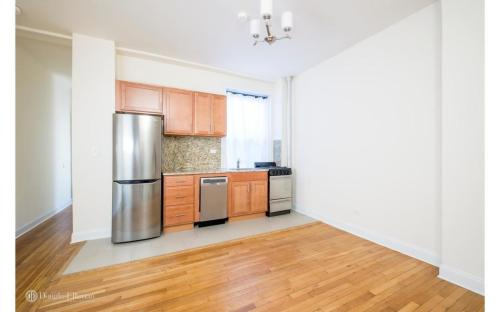 324 W 84th Street Photo 1