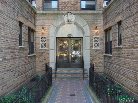 82-06 34th Avenue #6F Photo 1