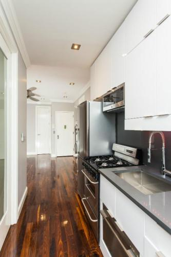 1345 Amsterdam Avenue #4C Photo 1