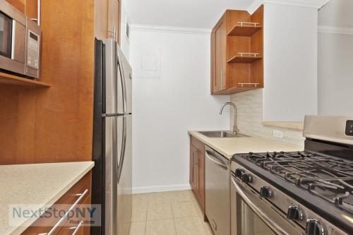 245 E 54th Street #14L Photo 1