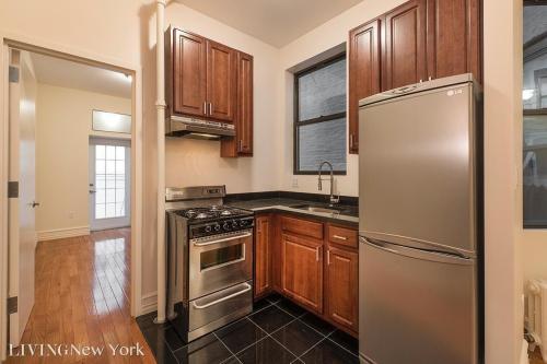 610 W 164th Street Photo 1