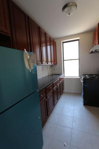678 45th Street #3E Photo 1