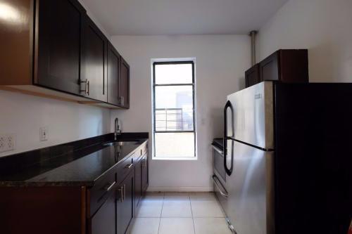 945 Saint Nicholas Avenue #1A Photo 1