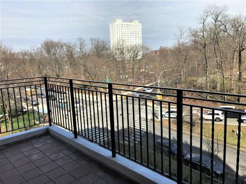 5355 Henry Hudson Parkway #4K Photo 1