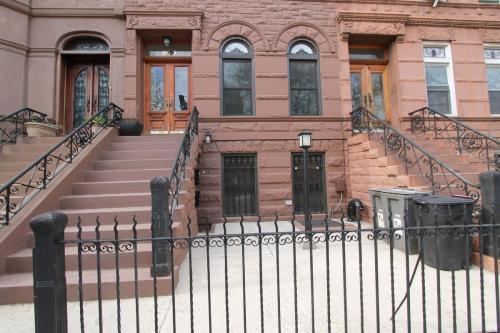 843 Putnam Avenue #1 Photo 1