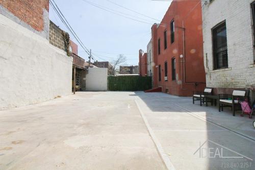 1685 Carroll Street #1 Photo 1