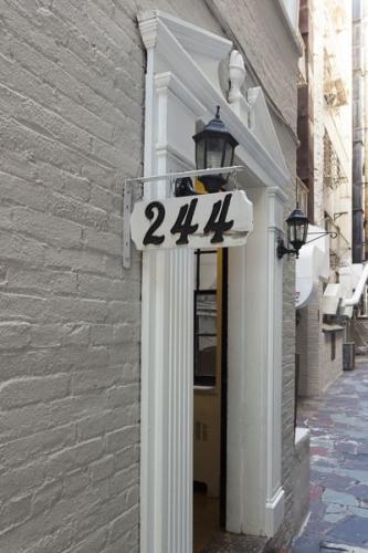 242 E 71st Street Photo 1