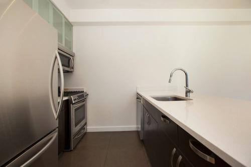 808 Columbus Avenue #20F Photo 1
