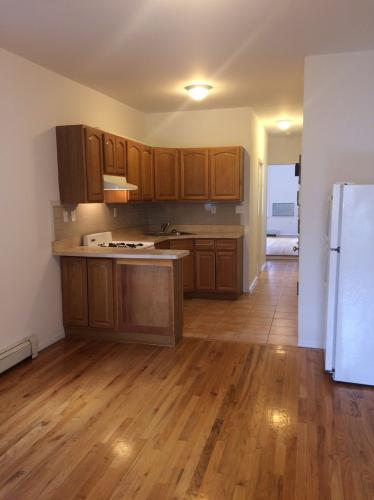152 Dupont Street #3R Photo 1