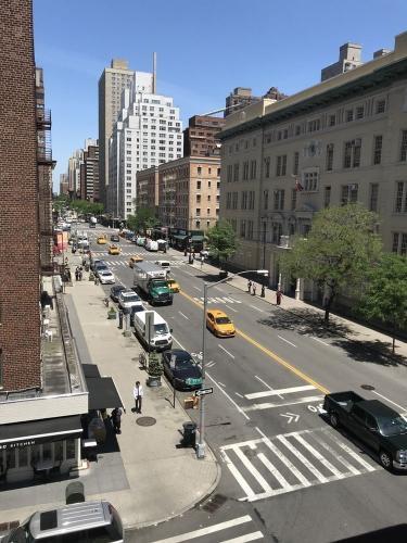 1443 York Avenue #4E Photo 1