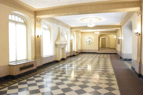 119-37 Metropolitan Avenue #3E Photo 1