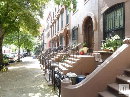 44 Wyckoff Street Photo 1