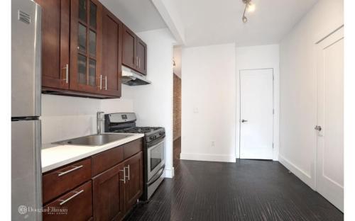 642 10th Avenue #2N Photo 1