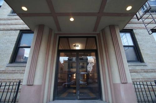 960 E 12th Street #1H Photo 1