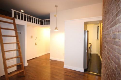 203 W 84th Street #1A Photo 1