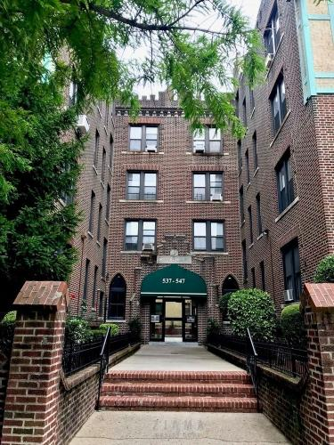537 Ovington Avenue Photo 1