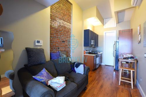 215 Marion Street #3A Photo 1