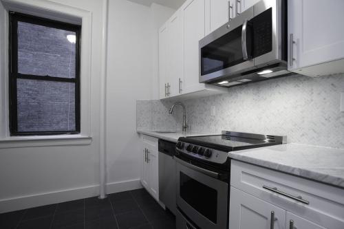 372 St Johns Place #14 Photo 1