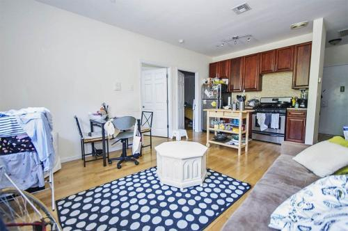 185 Clifton Place #1R Photo 1