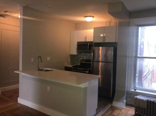901 Woodycrest Avenue #1A Photo 1
