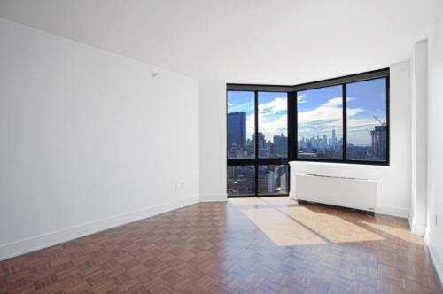 349 W 42nd Street Photo 1