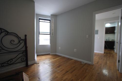647 4th Avenue #14 Photo 1