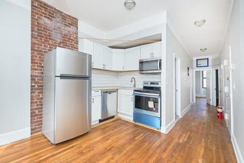 529 W 187th Street #2 Photo 1