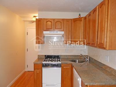 Huntington Ave, Boston - 1 br/1 ba $1850 10% Br... 3A Photo 1