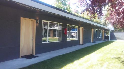 6807 Lakewood Drive W #1 Photo 1