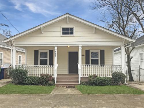 900 Oakhill Avenue SW Photo 1